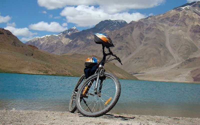 public/images/products/manali-chandratal-cycling2.jpg
